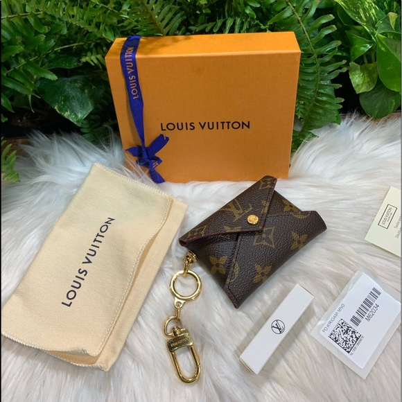 Louis Vuitton Handbags - 👜 LV Kirigami Pochette Small w/LV key chain charm